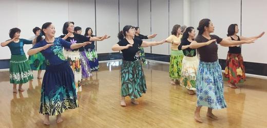 フラダンス ーハワイの音楽にのせてー